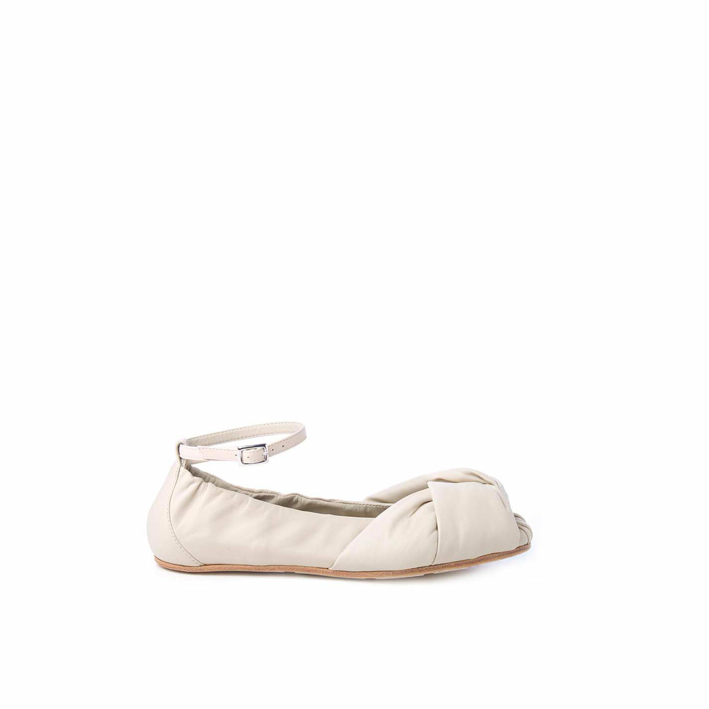 Ballerina flats in soft ivory-coloured nappa leather with knot
