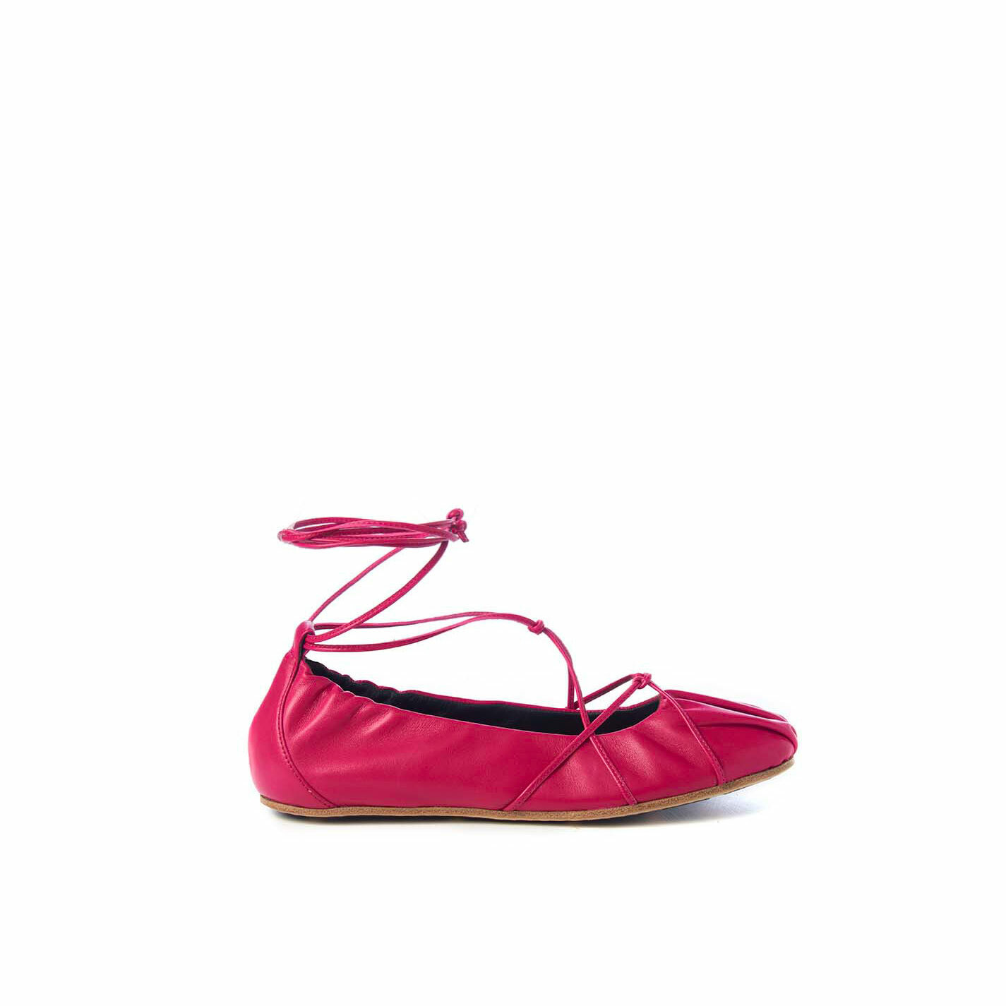 Ballerina flats in soft magenta nappa leather with string