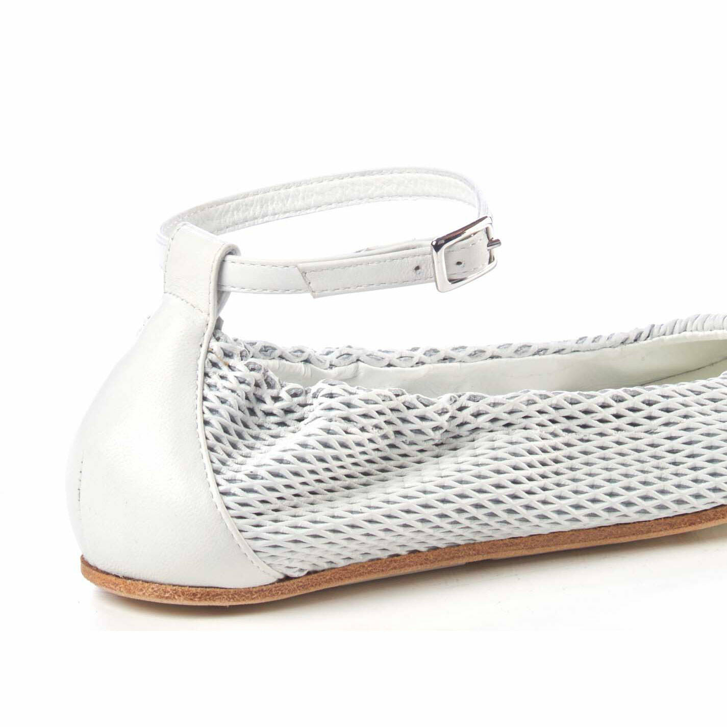 Ballerina flats in soft, perforated white nappa leather