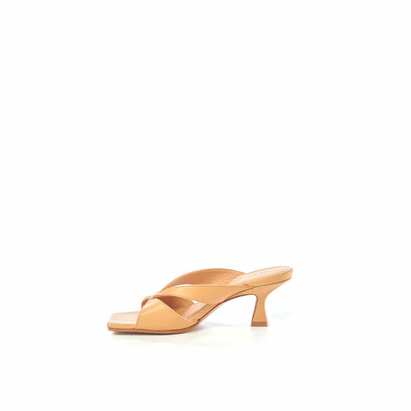 Tan-brown sandals with spool heel