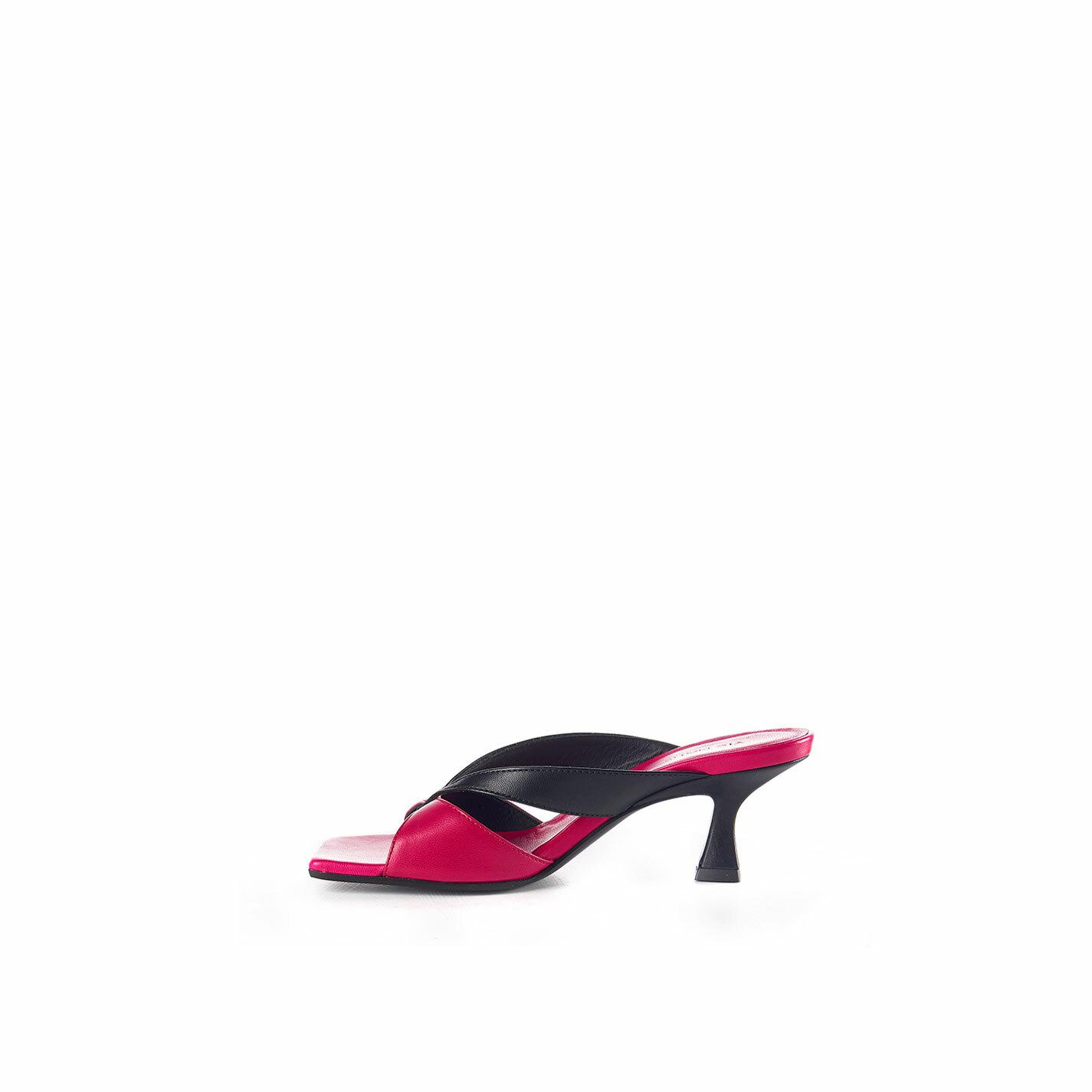 Sandalo rocchetto infradito magenta e nero