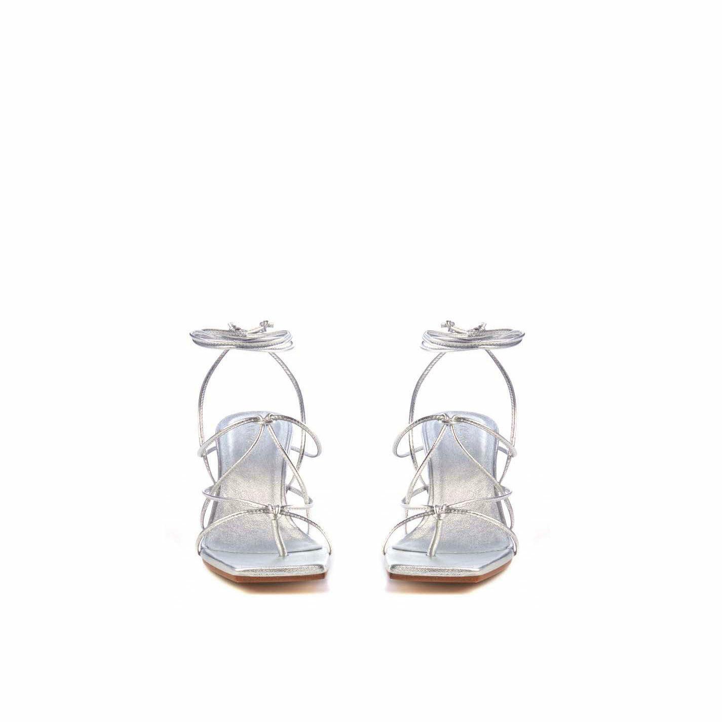 Sandalo rocchetto argento con lacci in  nappa laminata